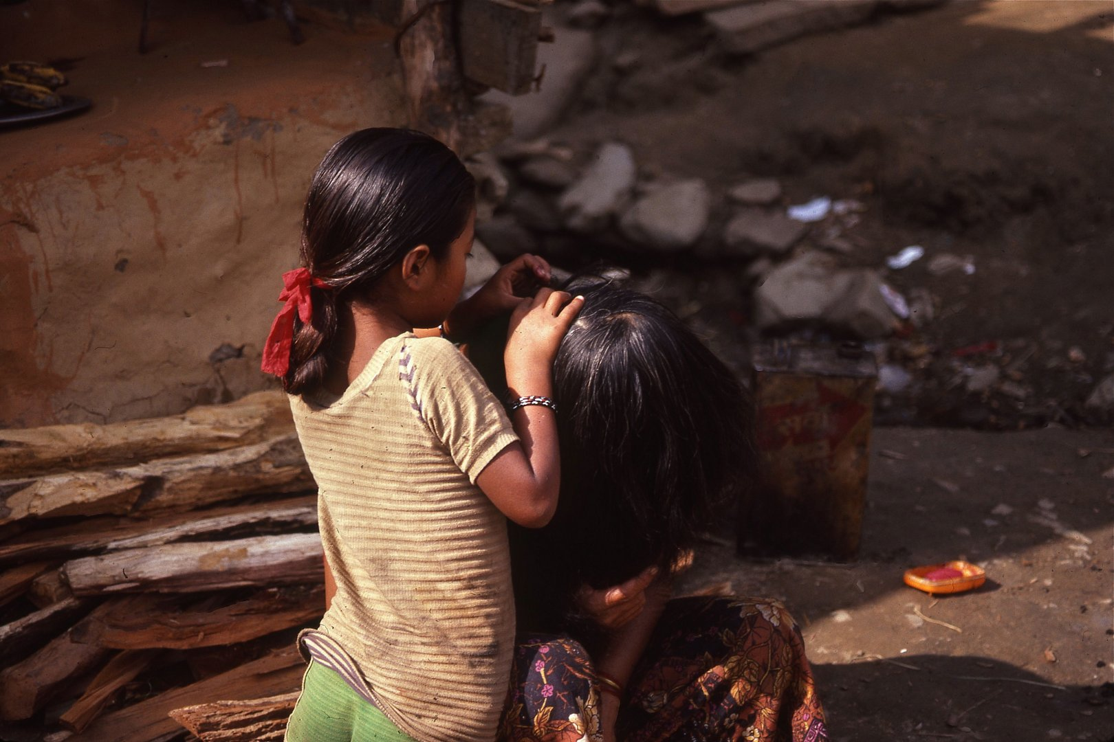 17  Nepal III : A Child's Day : 414-446